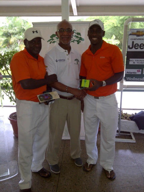 3rd place winners Trent Noel & Curtis Moses with Sam Martin, Cotton Tree Director & Officer-in-Charge of the Cotton Tree Golf Tournament-w500